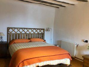 dormitorio bajo matrimonio